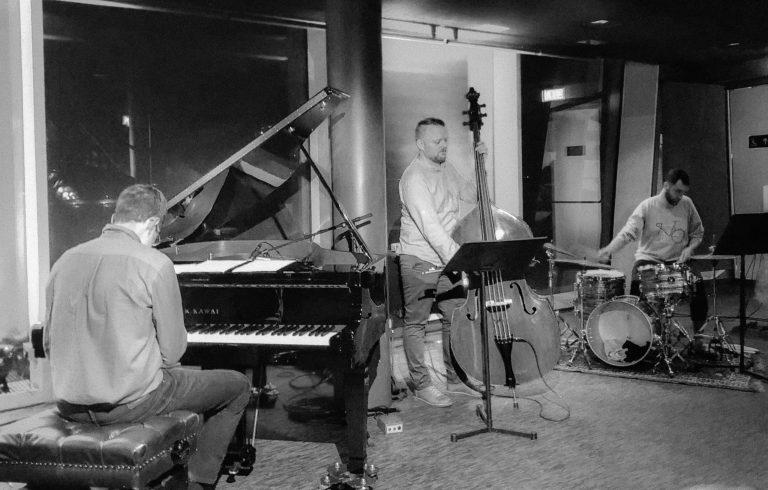 Ingi Bjarni Trio - Ísland_edited