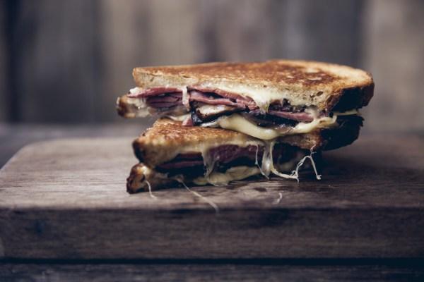 Melt Room peynirli tost sıcak sandviç Londra ızgara gurme Soho
