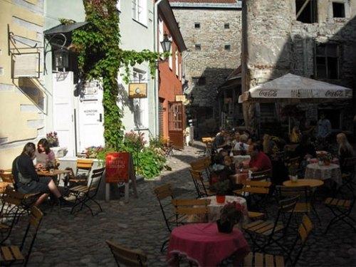 estonia-tallin-outdoorcafealley cooltownstudios