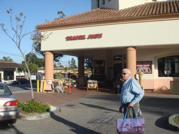 Esse é o meu tio, chegando para fazer compras!