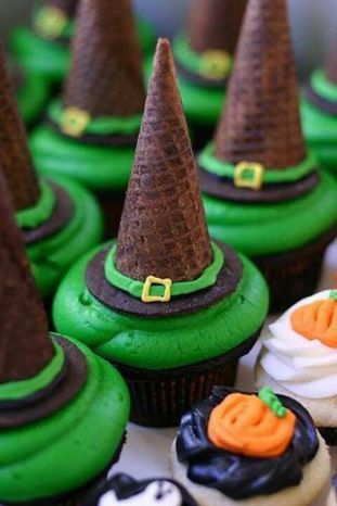 witch' hat cupcakes