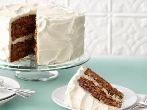 Como é o Hummingbird Cake?