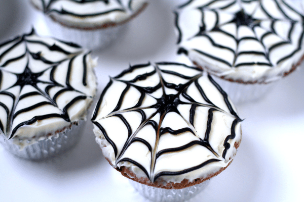 Spiderweb Cupcakes - The Gracious Wife