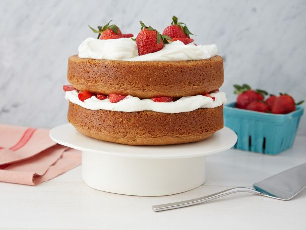 ig1a03_strawberry_cake.jpg.rend.snigalleryslide