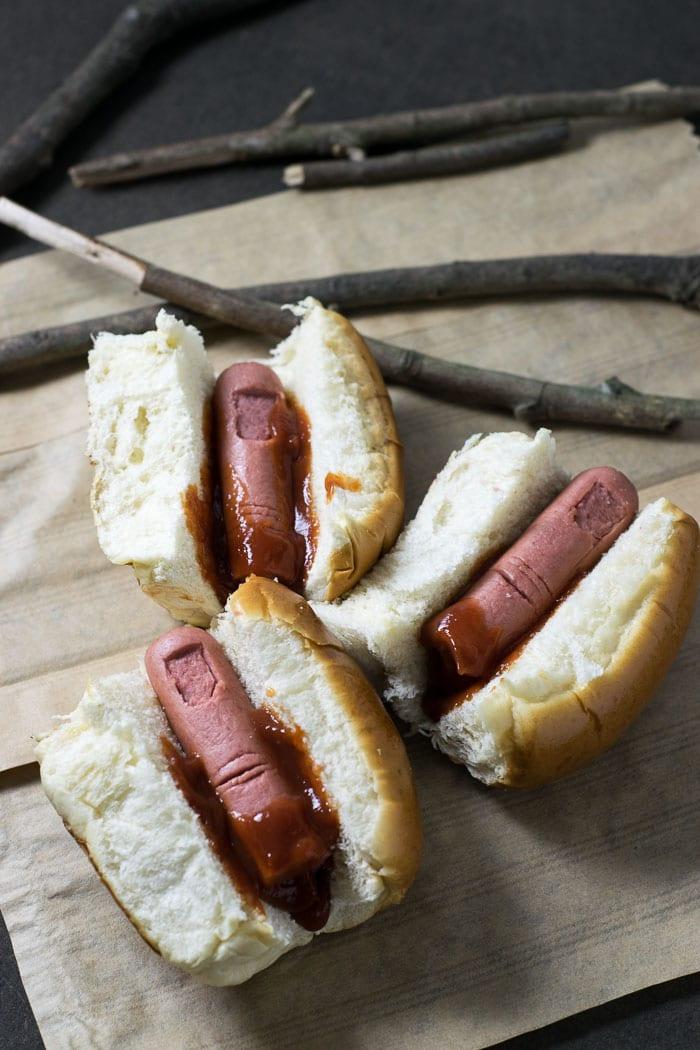 Receita de Halloween: Bloody Finger Hot Dog | Inglês Gourmet