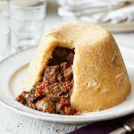 Conheça o prato britânico Steak and Kidney Pudding