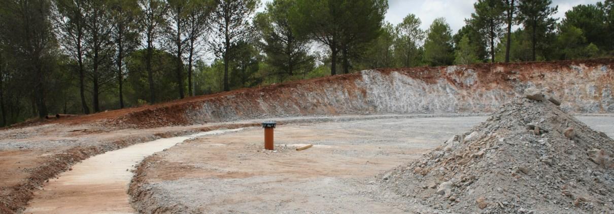 Moviemntos tierras Depósito agua riego