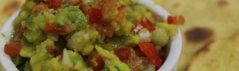 Petiscos mexicanos: Tortilhas, guacamole, fajitas e chilli