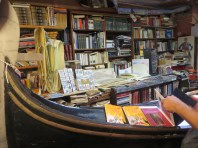 books-in-gondola