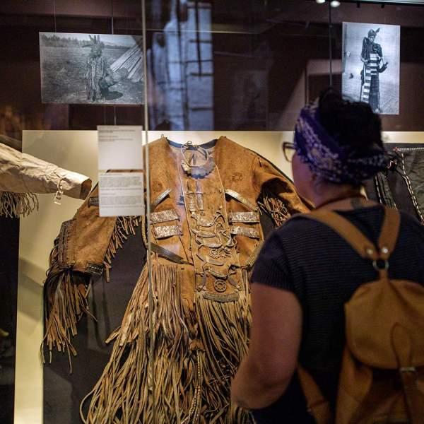 sjamanenmantels - expositie Helende Kracht