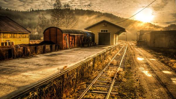 Årstid: Hausten. Setesdalsbanen i Vennesla. Nikon D90, Sigma 10-20, HDR