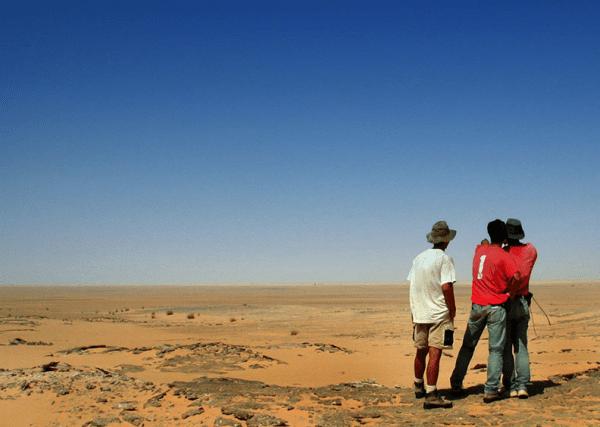 Vista dell'affioramento di El-Rahz come appariva all'epoca della spedizione paleontologica del 2000 (foto di Paul Sereno)