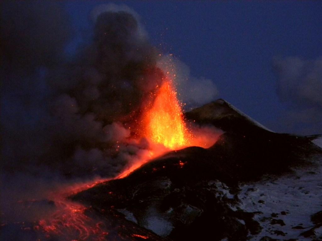Etna in eruzione. Foto di Boris Behncke, INGV-CT