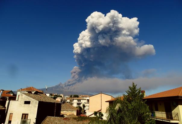 L'eruzione laterale etnea iniziata il 24 dicembre 2018