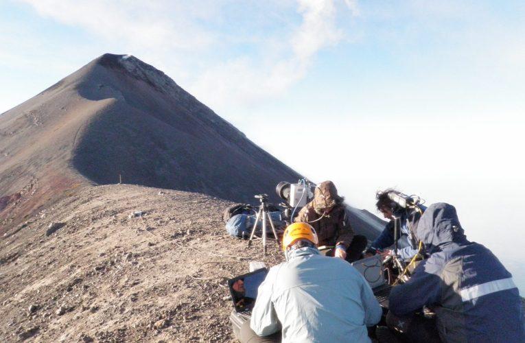 L'eruzione del Volcán de Fuego (Guatemala) del 3 giugno 2018: similitudini con i vulcani Italiani.