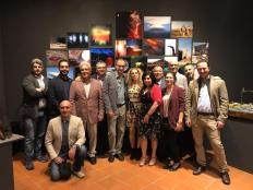 """Figura 1 - Il Collettivo Neuma con i ricercatori dell'INGV e il regista Valerio Jalongo (al centro) autore del documentario su Arte e Scienza """"Il senso della Bellezza"""", proiettato all'inaugurazione della mostra."""
