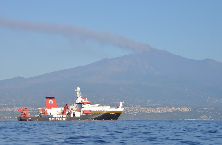A caccia delle faglie sottomarine dell'Etna