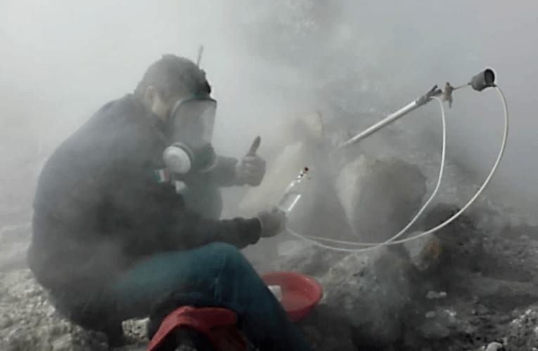 La sorveglianza geochimica dei vulcani campani