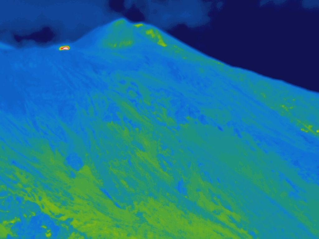 Etna 20210401 02