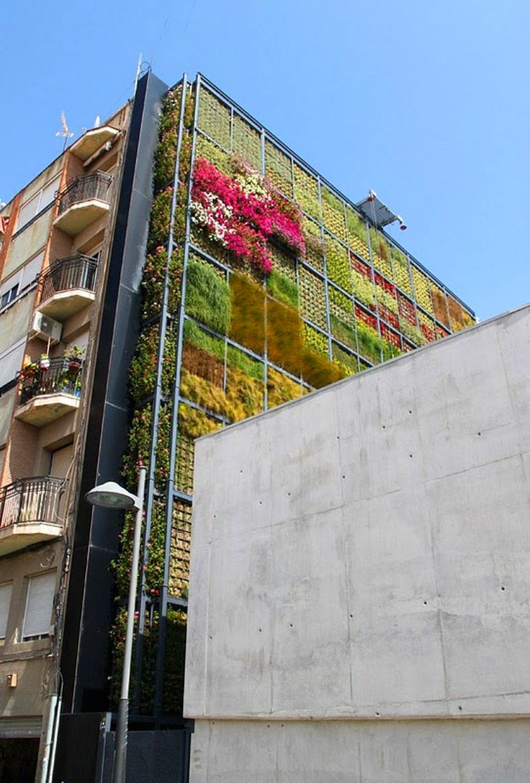 https://i1.wp.com/inhabitat.com/wp-content/blogs.dir/1/files/2010/07/Vertical-Garden-in-San-Vicente-2.jpg