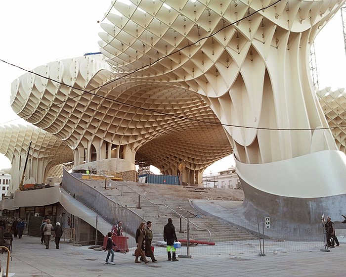 https://i1.wp.com/inhabitat.com/wp-content/blogs.dir/1/files/2011/03/metropolparasol3.jpg