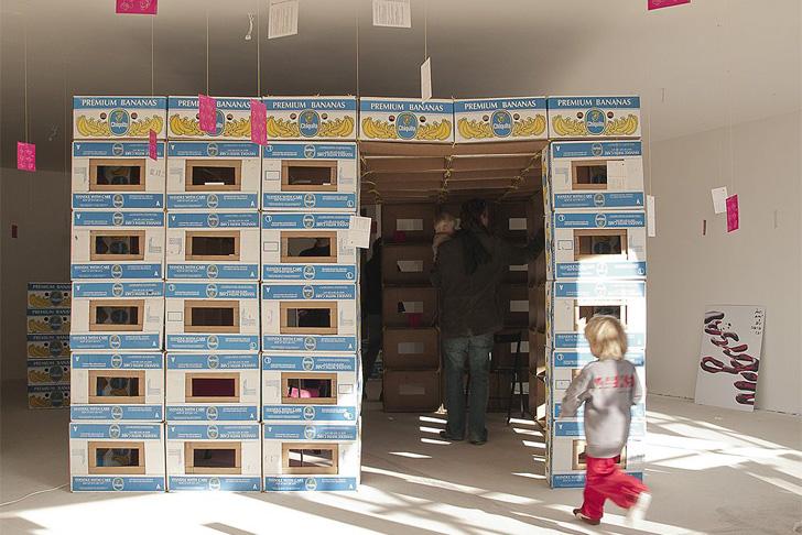https://i1.wp.com/inhabitat.com/wp-content/blogs.dir/1/files/2012/04/A1-BANA1N-Recycled-Cardboard-Boxes-Shelter-1.jpeg
