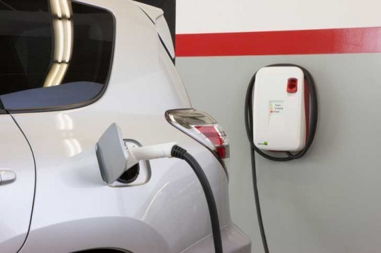 Toyota, Toyota RAV4 EV, Tesla, electric vehicle, electric SUV, green transportation, green car, toyota electric vehicle