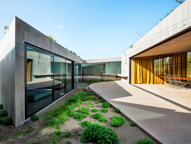 Concrete Megara Residence Boasts Stunning Views Of The