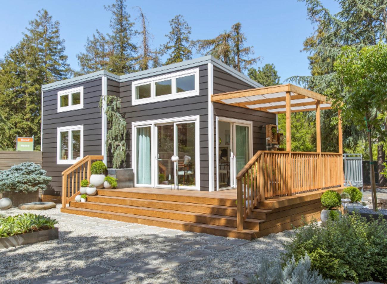 Sunset Magazine's charming cottage showcases inspiring ... on Bungalow Backyard Ideas id=12935