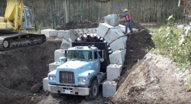 Zipper Truck By Lock Block Ltd Tunnel