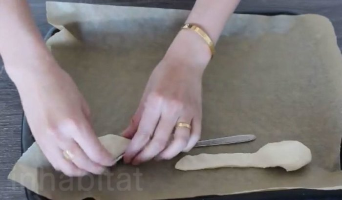 how to make edible cutlery, make your own edible utensils, make edible utensils, diy edible cutlery, bakeys edible cutlery, bakeys edible spoons, edible spoons, edible utensils, how to make edible utensils, yuka yoneda, inhabitat diy