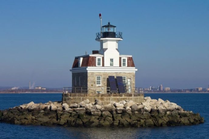 The government is giving away free lighthouses to the ...