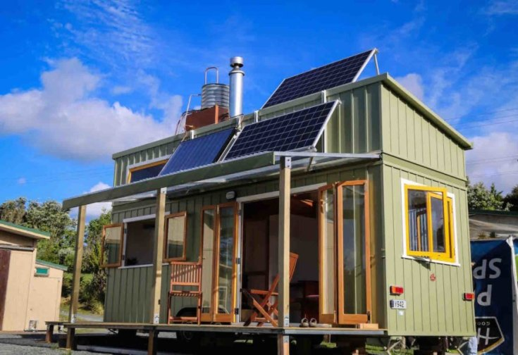 Off-Grid, Tiny house, Room to Move, solar panels