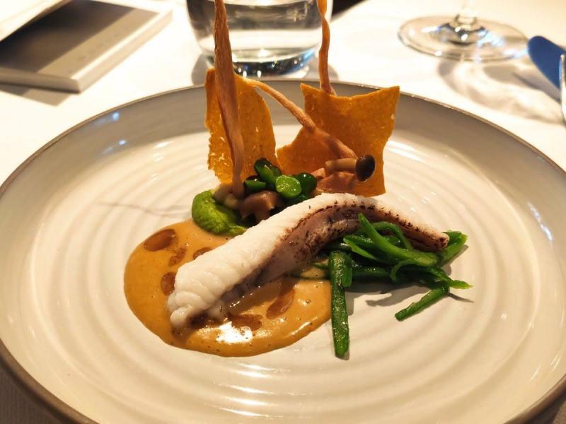 Restaurant De Vlindertuin - zeeduivelstaart, doperwt, snijboon, zoethout en een saus van kerrie
