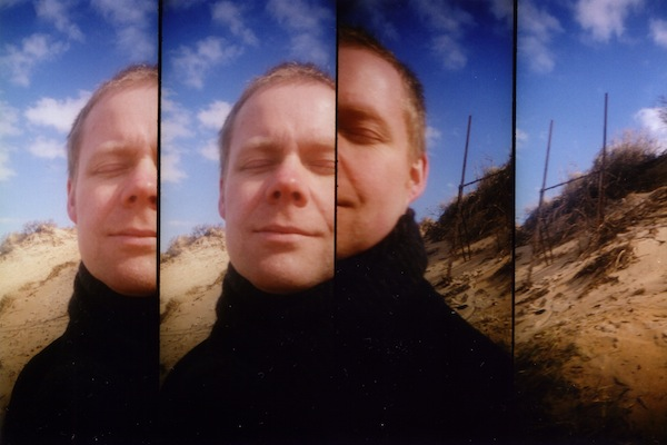 Retrato de Max Richter por Yulia Mahr