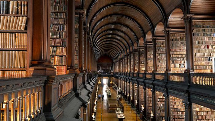 Sala de la biblioteca del Trinity College de Dublín