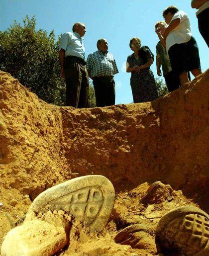 Foto de exhumaciones de asesinados por el franquismo por Eloy Alonso