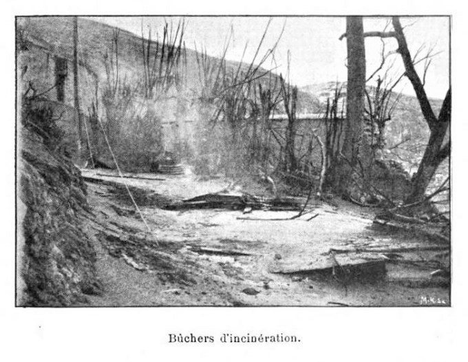 1902 photo of corpse-disposal pyre