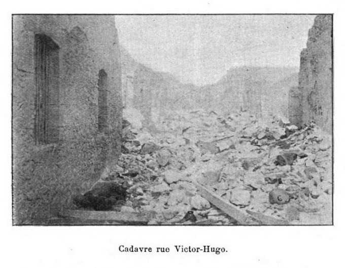 1902 photo of corpse in ruins of Saint-Pierre, Martinique
