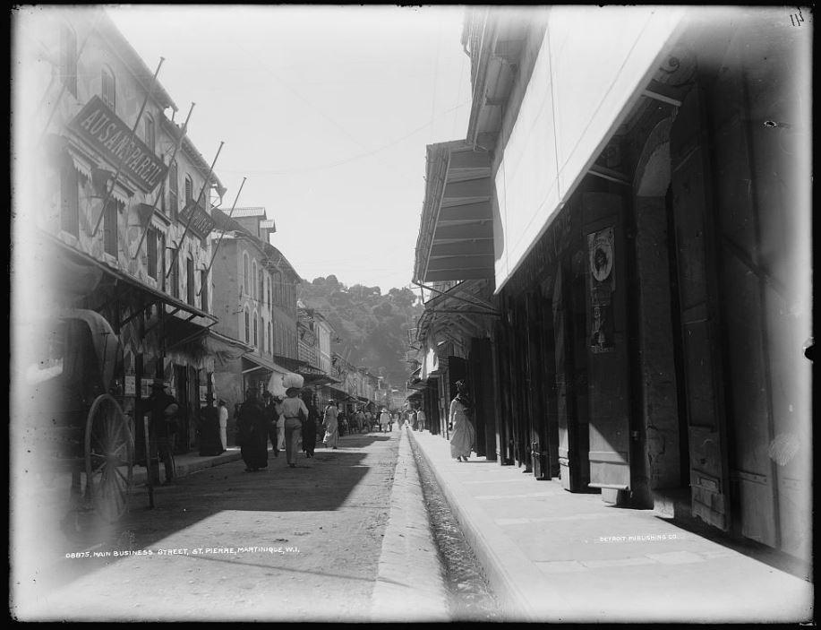 1890s public domain photo of happy Saint-Pierre