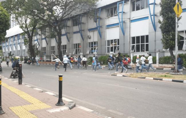 kerusuhan pelajar
