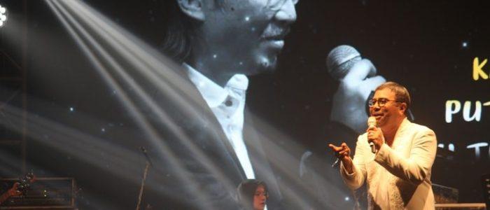Selama 45 Tahun Berkarir, Harvey Malaihollo Ngaku Belum Pernah Nyanyikan Lagu Chrisye, Ternyata Ini Penyebabnya