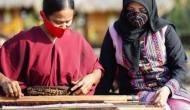 Permalink ke Rajin Eksplorasi Wastra Nusantara di Setiap Rancangannya, Lia Afif Bertekad Jadikan Indonesia Kiblat Busana Muslim Dunia