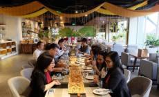 Permalink ke Serunya Makan Pizza 2 Meter Rame-Rame di Grand Kitchen Royal Tulip Darmo Surabaya