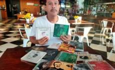 Permalink ke Inilah Serunya Berburu Tanda Tangan Artis, Hamid Nabhan Hadang Iwan Fals Usai Konser
