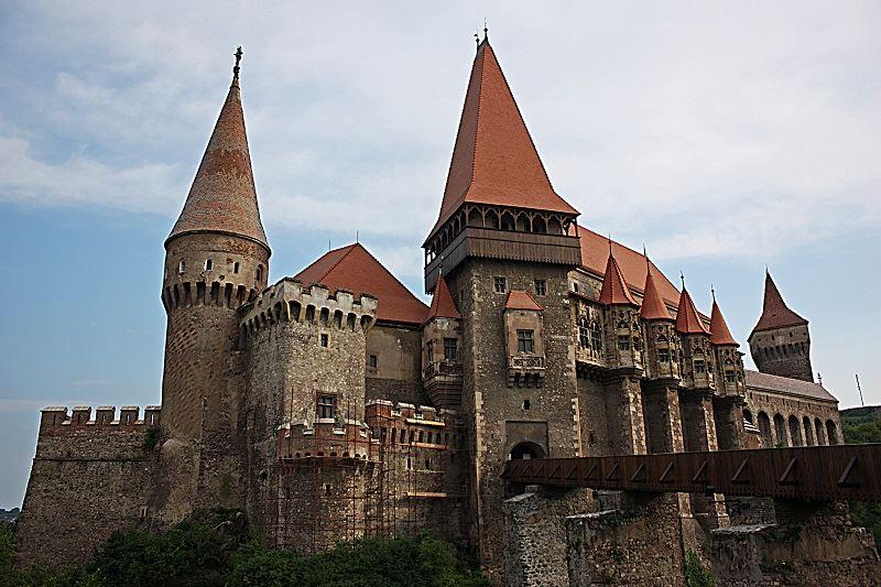 chateau-des-Hunyadi-hunedoara