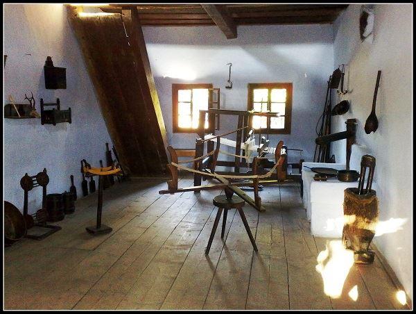 musee-du-village-roumain-de-bucarest-artisanat-local
