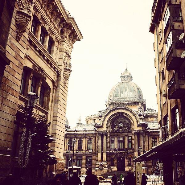 centre-ville-rues-bucarest-architecture