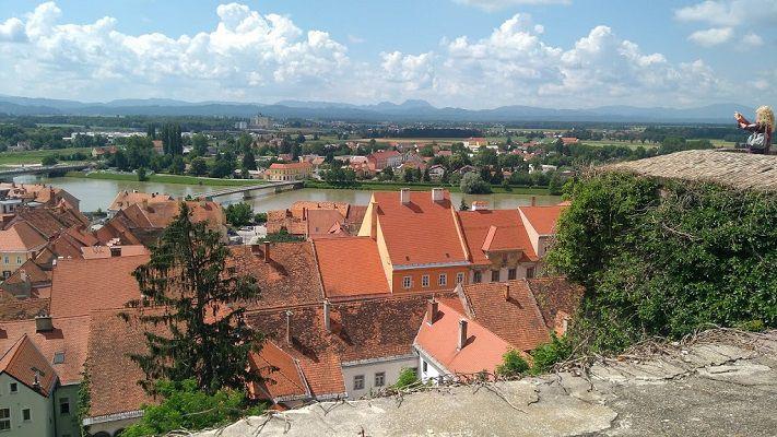 panorma-chateau-de-ptuj-slovenie