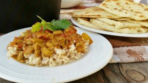 Indian Butter Chicken with Naan